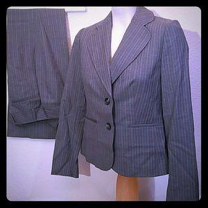 Ann Taylor Ladies office pants suit set blazer